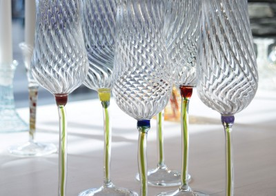 Flower twist champagne glasses