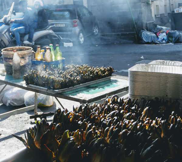 artichokes cooked on the street